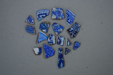 Drawing the likeness of Willow Pattern Shards