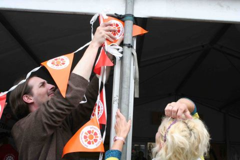Cerbyd's Paul hangs the IOPW bunting