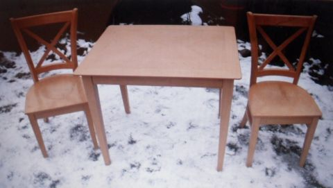 Ebay-er:. put your table and chairs out in the snow for your Ebay photo