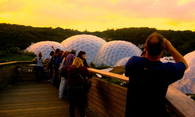 eden project biodomes and people