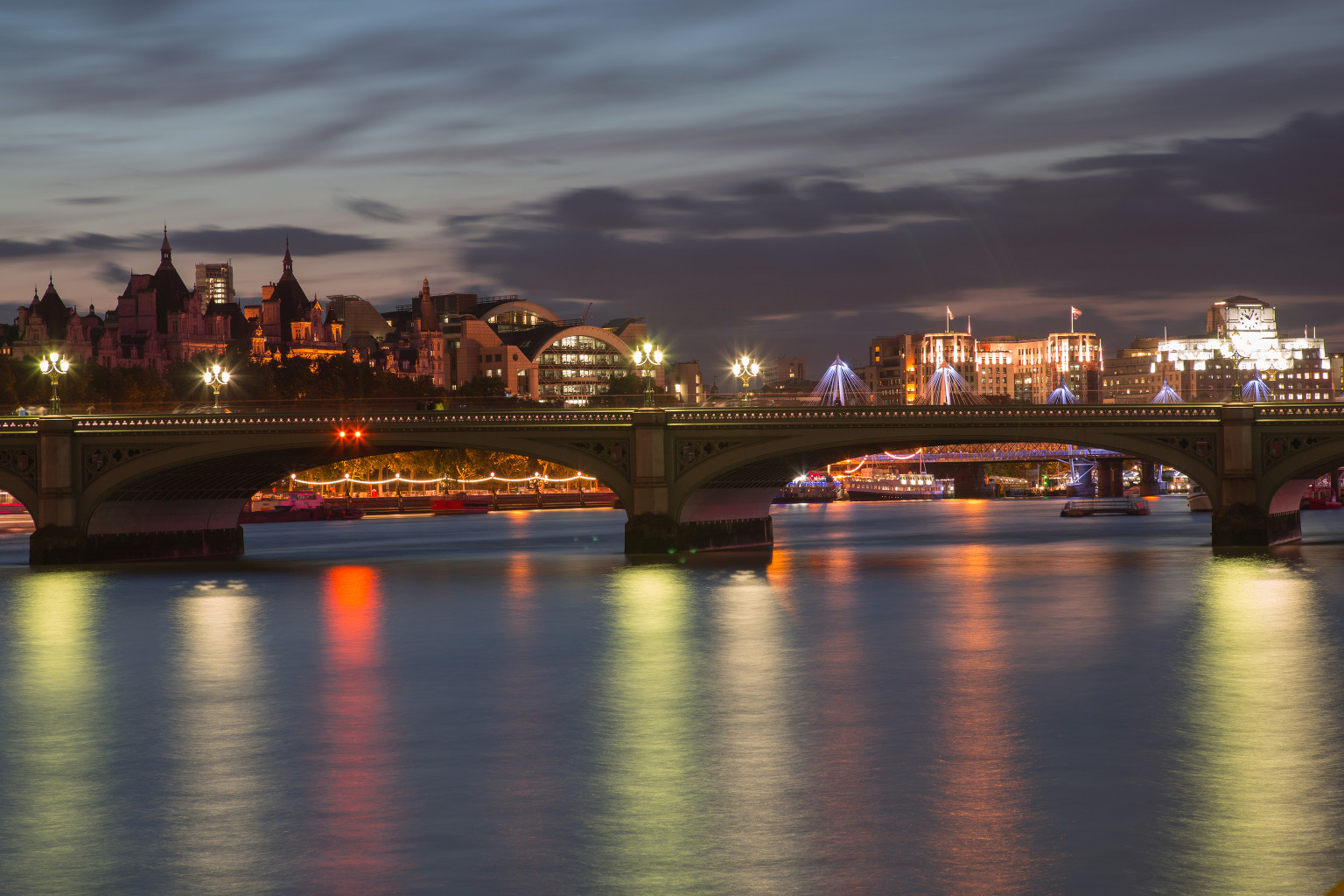Westminster Bridge, looking north towards Charing Cross Station ©Luke Hayes / Malcolm Reading Consultants