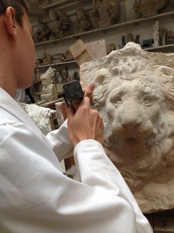 lion_carving