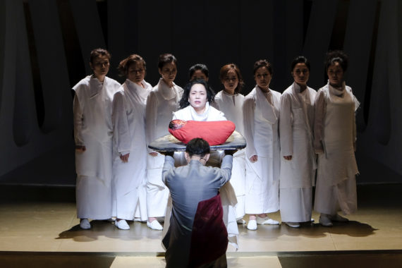 Ong Keng Sen, the National Changgeuk Company and the National Theatre of Korea, The Trojan Women. Photo © National Theatre of Korea. Courtesy Arts Council England