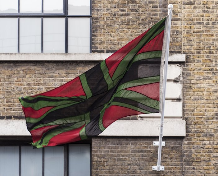 Chris Ofili, Union Black, 2003. Woven polyester with rope and toggle, 130 x 267 cm, 51 1/8 x 105 1/8 in. © Chris Ofili. Courtesy the artist and Victoria Miro, London.
