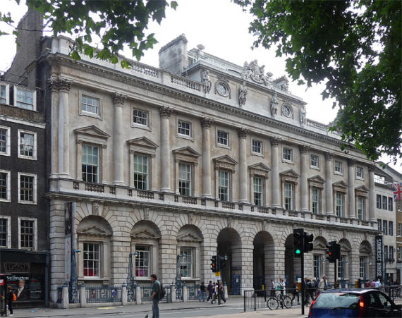 Somerset House, home of the Courtauld Institute and the Courtauld Gallery since 1989. Photo: Stephen Richards. Creative Commons: https://commons.wikimedia.org/wiki/File:Somerset_House,_Strand.jpg