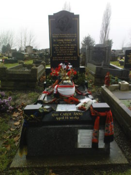 Photograph of the grave of Duncan Edwards, Dudley Cemetery 2010