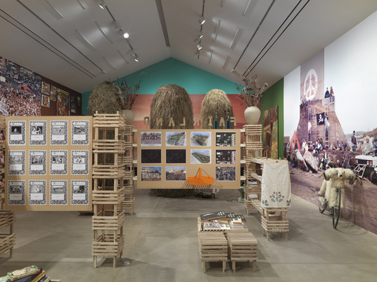 'The Land We Live In – The Land We Left Behind', Installation view, Hauser & Wirth Somerset, 2018 Photo: Ken Adlard