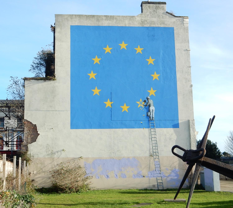Douvres,_Brexit,_par_Banksy_(2017)_1 - a-n The Artists Information
