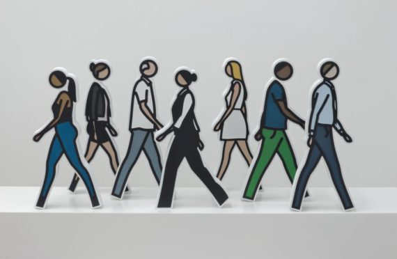 Julian Opie, Walking Statuettes, 2017. Courtesy: Julian Opie and Alan Cristea Gallery, London