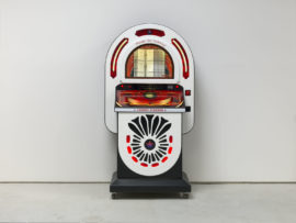 Susan Hiller, London Jukebox, 2008-2018, xustomised jukebox with 70 songs selected by the artist. Photo: Todd White