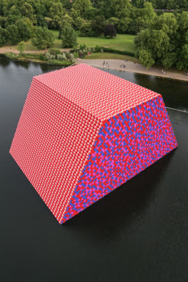 Christo and Jeanne-Claude, The London Mastaba, Serpentine Lake, Hyde Park, 2016-18. Photo: Wolfgang Volz. © 2018 Christo