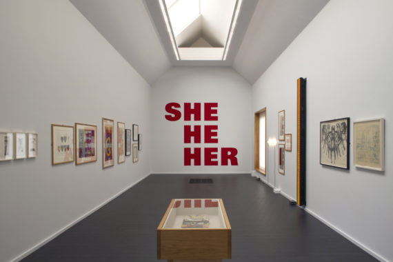 Kay Rosen She-Man, 1996 – 2018 Sign paint on wall, dimensions variable. © Kay Rosen. Courtesy the artist and Philipp Pflug Contemporary.
